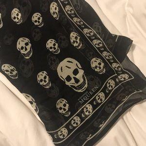 Authentic 💯 Alexander Mcqueen Silk Skull Scarf